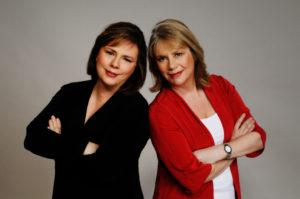 Lisa Jackson and Nancy Bush [Credit: Kimberly Butler Photography]